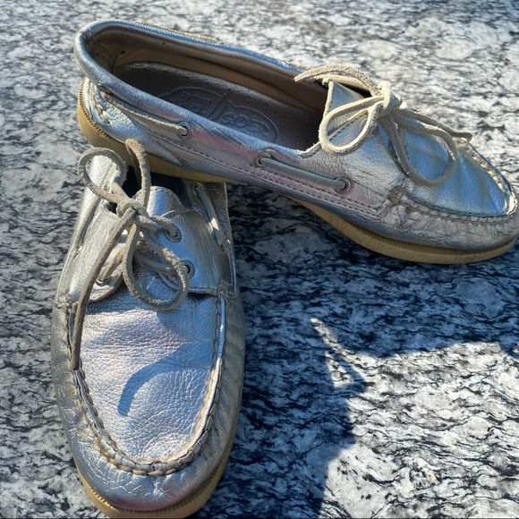 Silver Sperry Topsiders 8 1/2 Non Marking Shoes